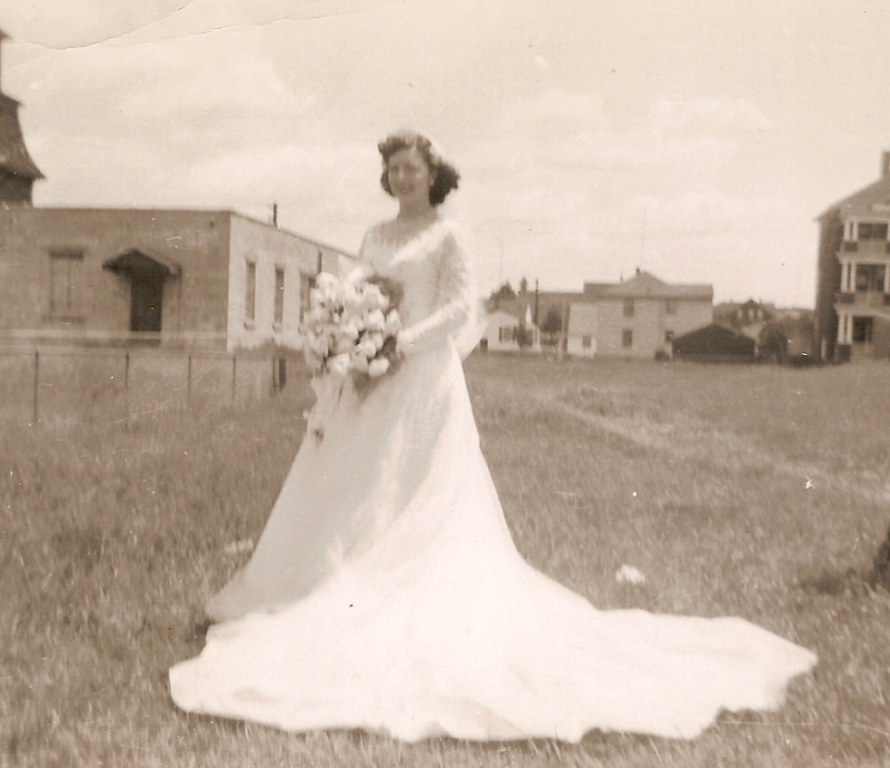 Doris (Harrison) Audette wedding dress